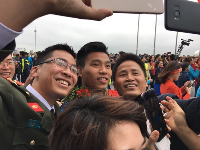 Thủ tướng: U23 Việt Nam đã vô địch trong 90 triệu con tim ảnh 67