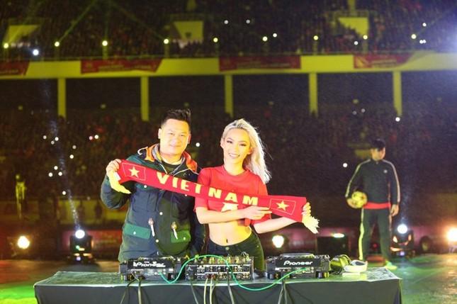 U23 Việt Nam hát 'Niềm tin chiến thắng' trên sân Mỹ Đình ảnh 5