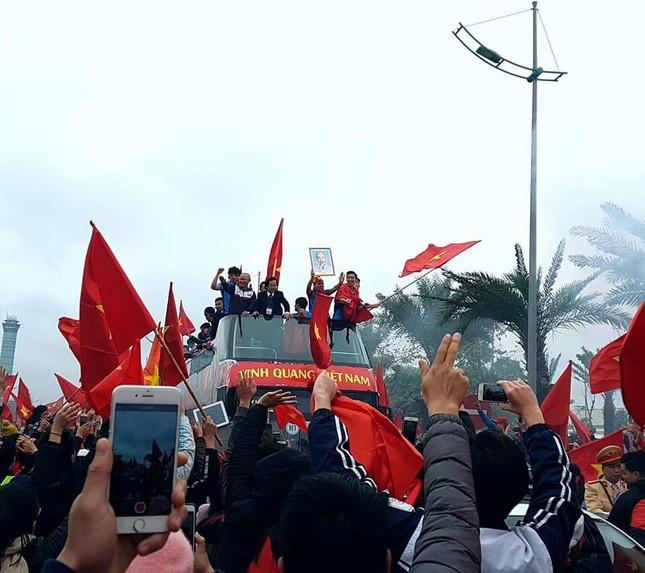 Thủ tướng: U23 Việt Nam đã vô địch trong 90 triệu con tim ảnh 98