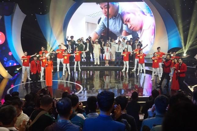 Thủ tướng trao giải thưởng Gương mặt trẻ Việt Nam tiêu biểu năm 2017 ảnh 32