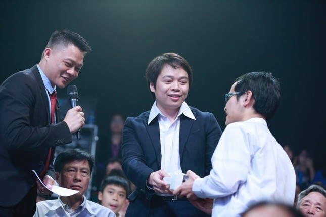 Thủ tướng trao giải thưởng Gương mặt trẻ Việt Nam tiêu biểu năm 2017 ảnh 30