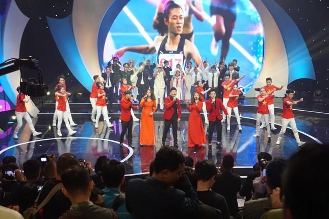Thủ tướng trao giải thưởng Gương mặt trẻ Việt Nam tiêu biểu năm 2017 ảnh 33