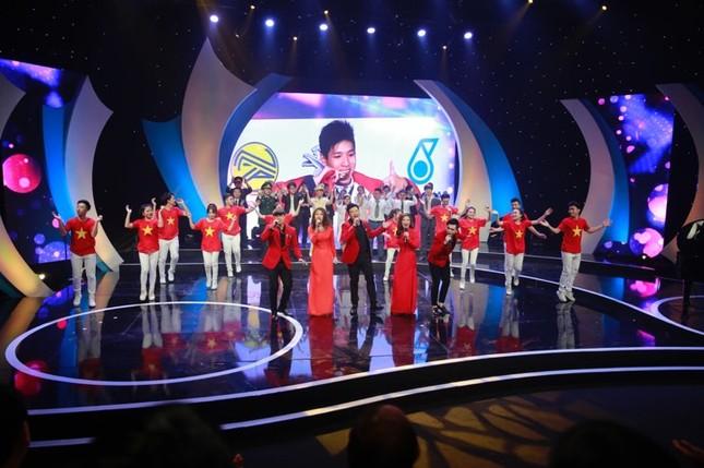 Thủ tướng trao giải thưởng Gương mặt trẻ Việt Nam tiêu biểu năm 2017 ảnh 34