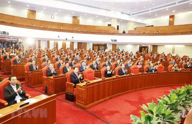 Hình ảnh Bế mạc Hội nghị lần 7 Ban Chấp hành Trung ương Đảng khóa XII ảnh 4