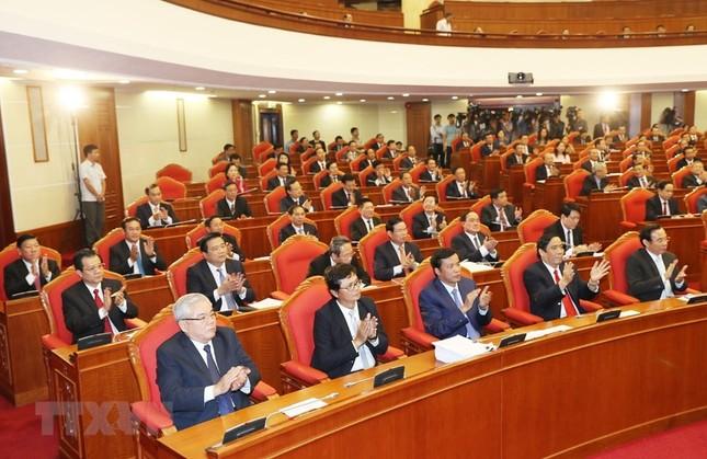 Hình ảnh Bế mạc Hội nghị lần 7 Ban Chấp hành Trung ương Đảng khóa XII ảnh 6