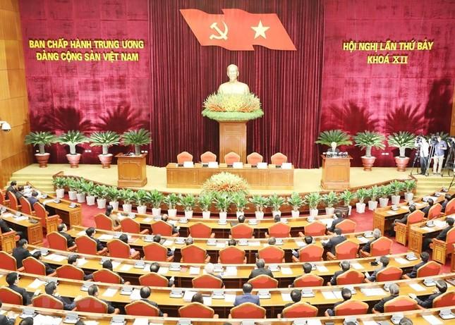 Hình ảnh Bế mạc Hội nghị lần 7 Ban Chấp hành Trung ương Đảng khóa XII ảnh 8