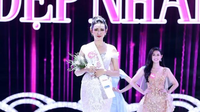 Cô gái 18 tuổi Trần Tiểu Vy đăng quang Hoa hậu Việt Nam 2018 ảnh 44