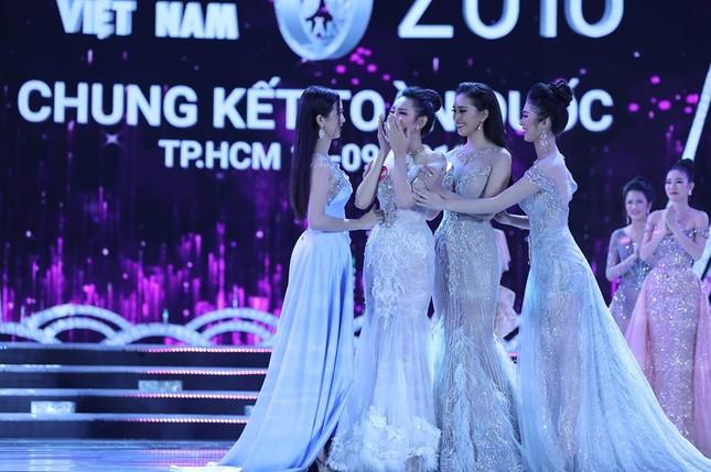 Cô gái 18 tuổi Trần Tiểu Vy đăng quang Hoa hậu Việt Nam 2018 ảnh 45