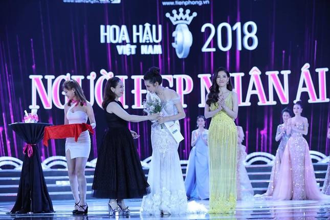 Cô gái 18 tuổi Trần Tiểu Vy đăng quang Hoa hậu Việt Nam 2018 ảnh 46