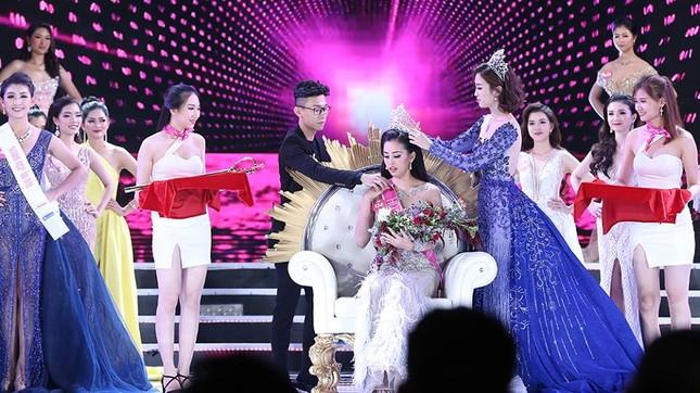 Cô gái 18 tuổi Trần Tiểu Vy đăng quang Hoa hậu Việt Nam 2018 ảnh 54