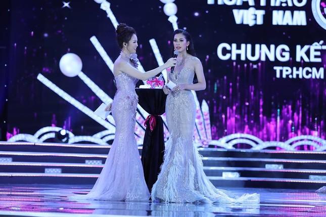 Cô gái 18 tuổi Trần Tiểu Vy đăng quang Hoa hậu Việt Nam 2018 ảnh 49