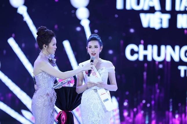 Cô gái 18 tuổi Trần Tiểu Vy đăng quang Hoa hậu Việt Nam 2018 ảnh 47