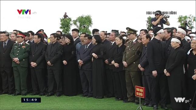 Chủ tịch nước Trần Đại Quang trở về đất mẹ ảnh 74