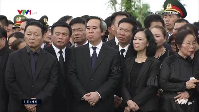 Chủ tịch nước Trần Đại Quang trở về đất mẹ ảnh 75