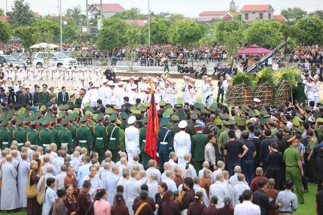 Chủ tịch nước Trần Đại Quang trở về đất mẹ ảnh 56