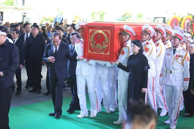 Chủ tịch nước Trần Đại Quang trở về đất mẹ ảnh 43