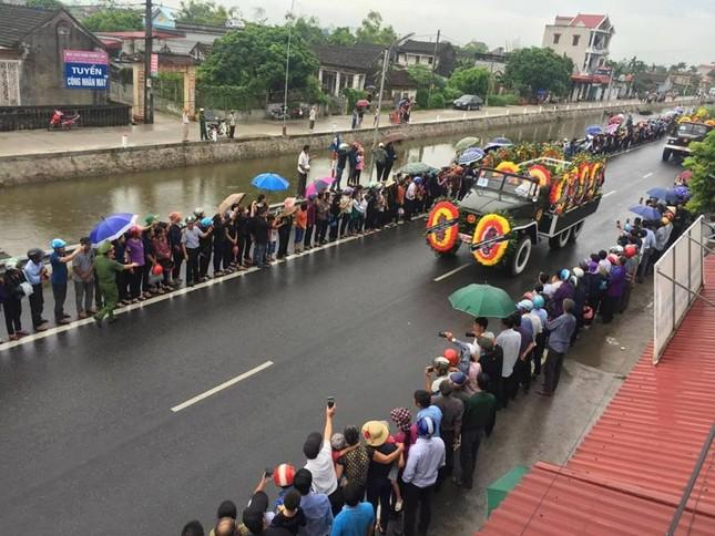 Chủ tịch nước Trần Đại Quang trở về đất mẹ ảnh 32
