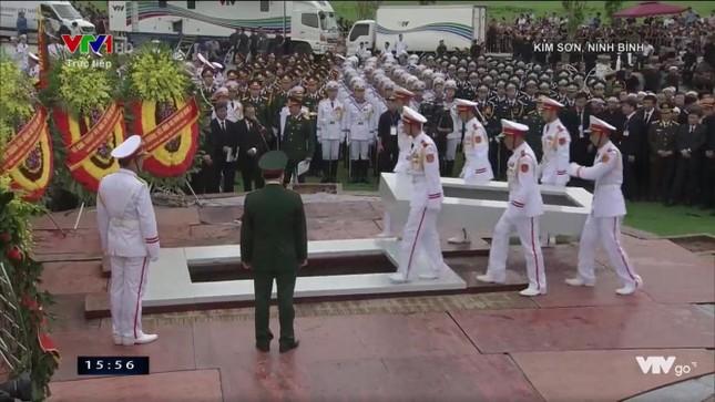 Chủ tịch nước Trần Đại Quang trở về đất mẹ ảnh 78