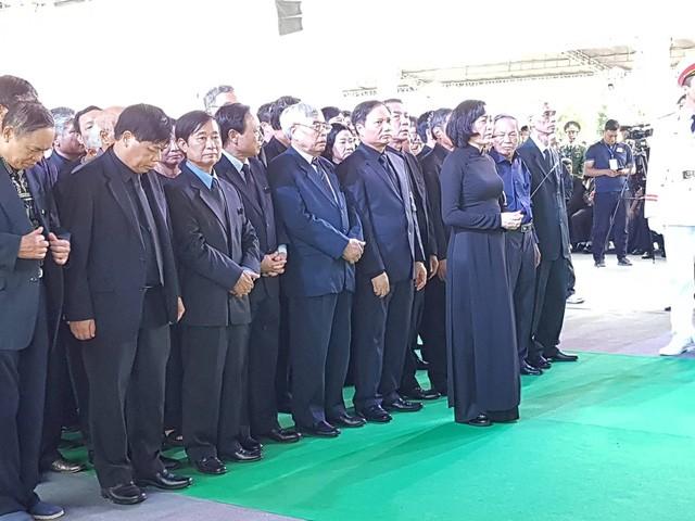 Chủ tịch nước Trần Đại Quang trở về đất mẹ ảnh 53