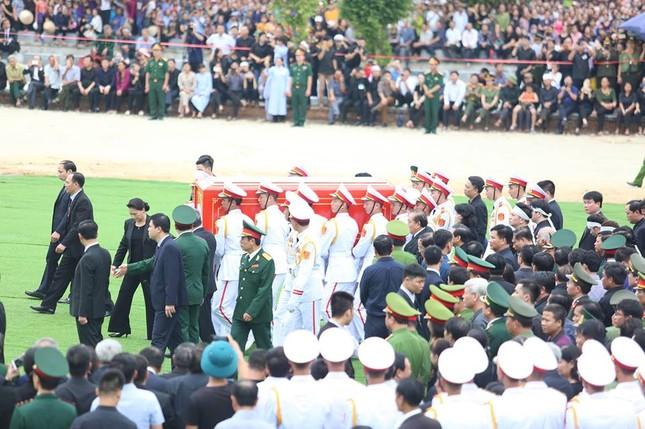 Chủ tịch nước Trần Đại Quang trở về đất mẹ ảnh 57