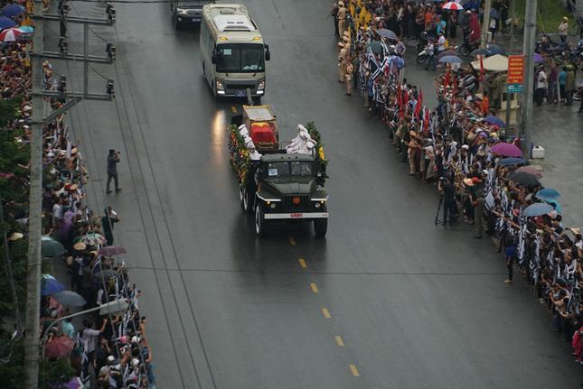 Chủ tịch nước Trần Đại Quang trở về đất mẹ ảnh 22