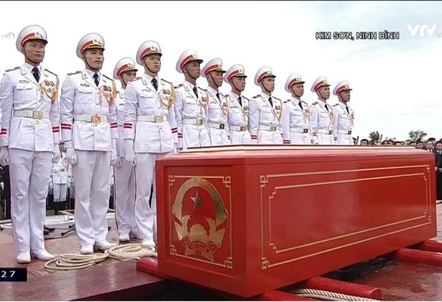 Chủ tịch nước Trần Đại Quang trở về đất mẹ ảnh 67