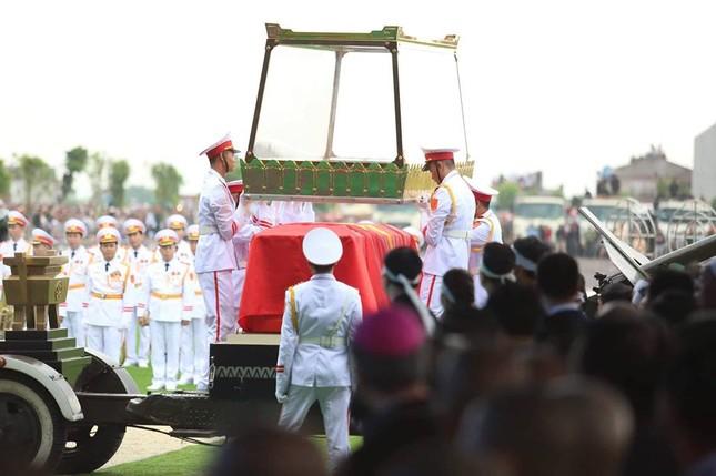 Chủ tịch nước Trần Đại Quang trở về đất mẹ ảnh 41