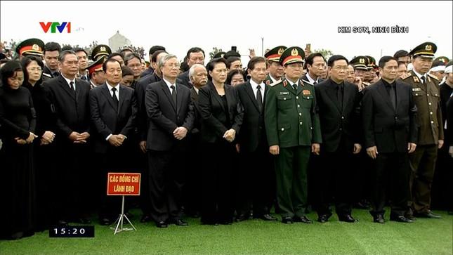 Chủ tịch nước Trần Đại Quang trở về đất mẹ ảnh 61