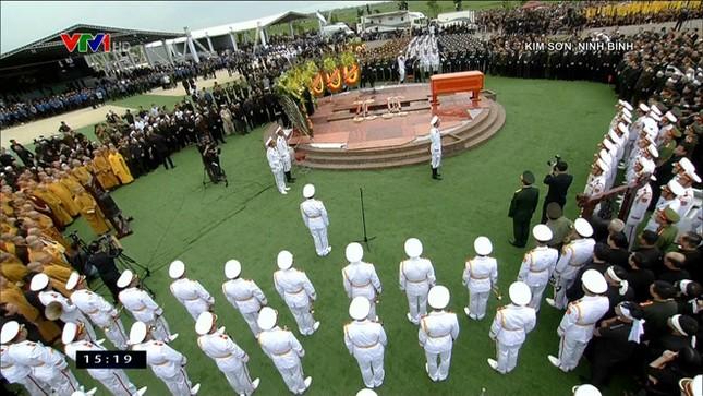 Chủ tịch nước Trần Đại Quang trở về đất mẹ ảnh 62
