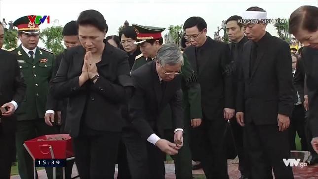 Chủ tịch nước Trần Đại Quang trở về đất mẹ ảnh 71