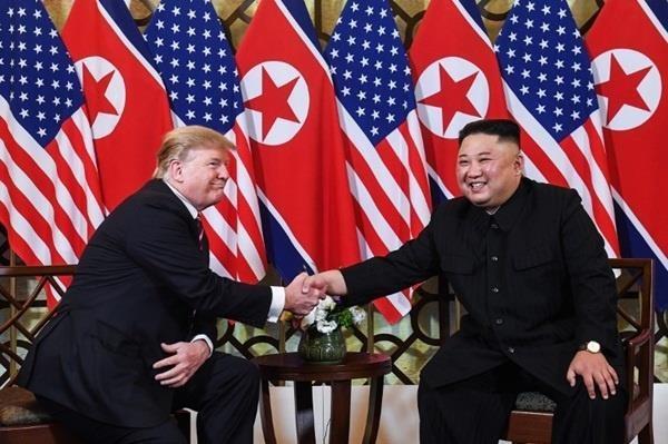 Bữa tối kết thúc, Tổng thống Trump và Chủ tịch Kim rời khách sạn Metropole ảnh 25