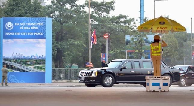 Bữa tối kết thúc, Tổng thống Trump và Chủ tịch Kim rời khách sạn Metropole ảnh 19