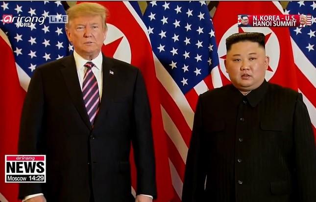 Bữa tối kết thúc, Tổng thống Trump và Chủ tịch Kim rời khách sạn Metropole ảnh 23