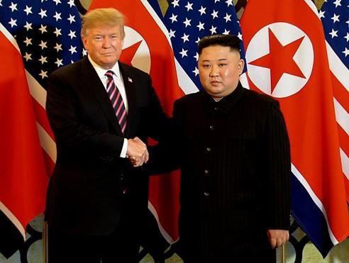 Bữa tối kết thúc, Tổng thống Trump và Chủ tịch Kim rời khách sạn Metropole ảnh 22