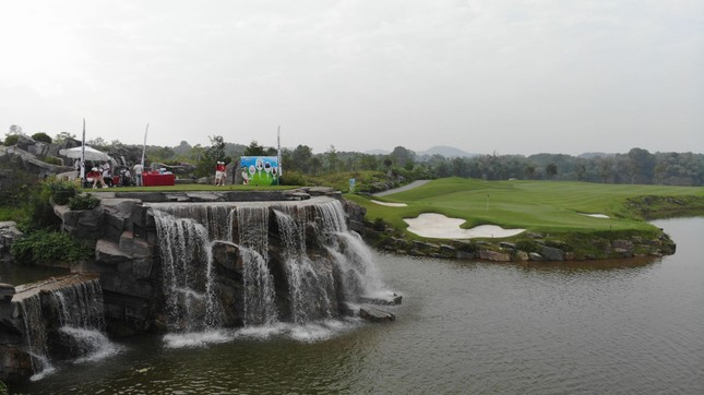 Ai là nhà vô địch Tiền Phong Golf Championship mùa thứ ba? ảnh 45