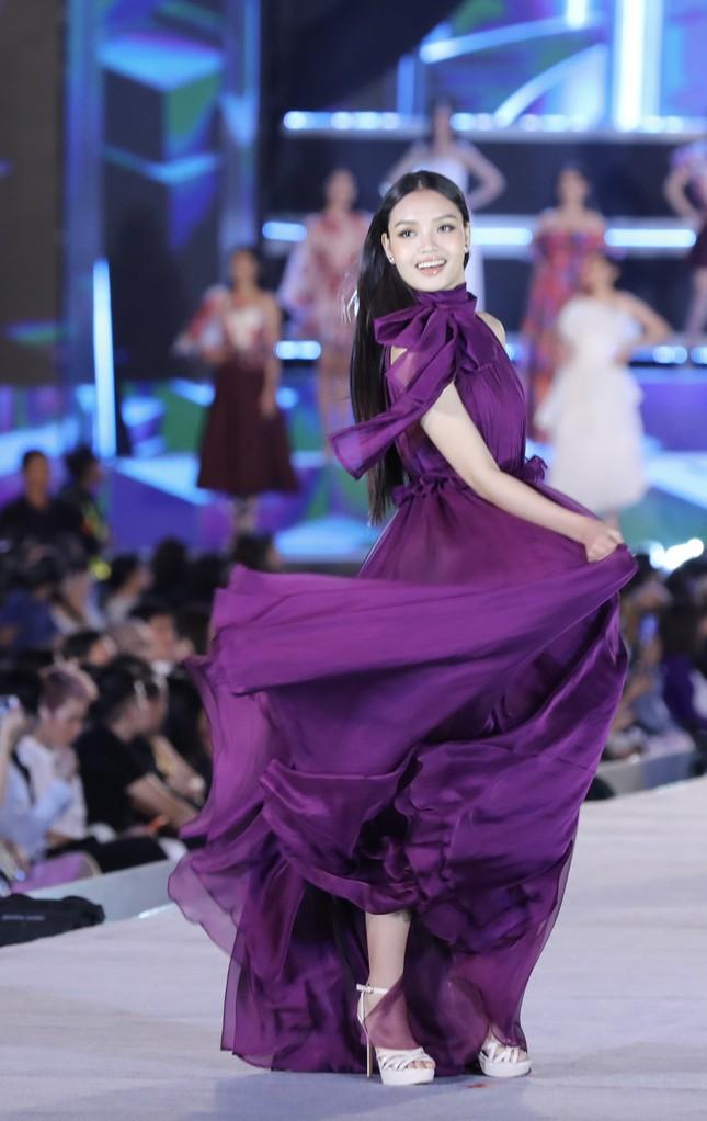 Công bố Top 5 Người đẹp Thời trang của Hoa hậu Việt Nam 2020 ảnh 32