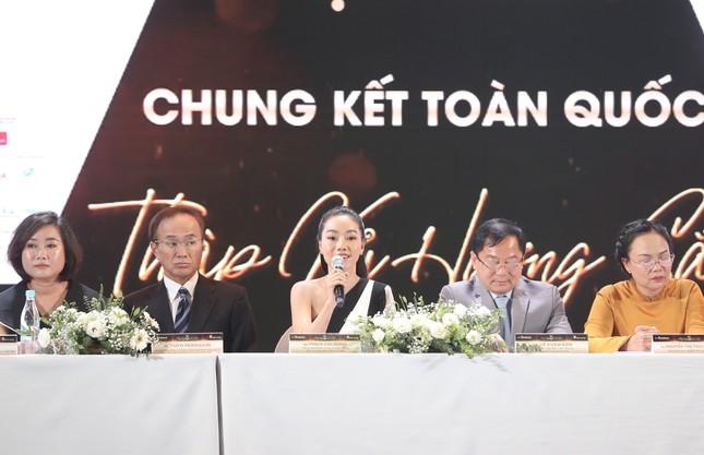 Truyền hình trực tiếp Chung kết toàn quốc Hoa hậu Việt Nam 2020 trên sóng VTV3 ảnh 57