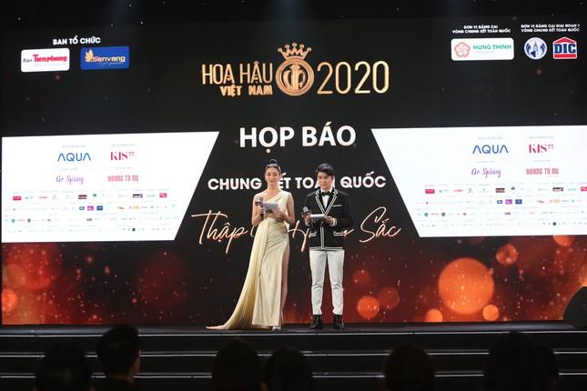 Truyền hình trực tiếp Chung kết toàn quốc Hoa hậu Việt Nam 2020 trên sóng VTV3 ảnh 19