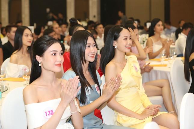 Truyền hình trực tiếp Chung kết toàn quốc Hoa hậu Việt Nam 2020 trên sóng VTV3 ảnh 33