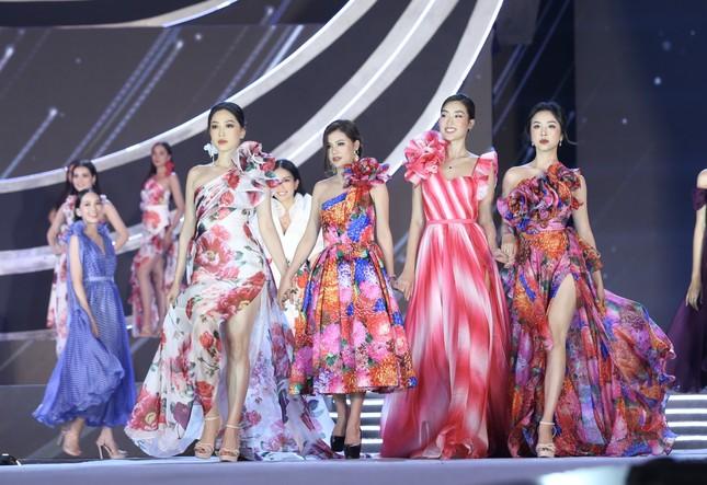 Truyền hình trực tiếp Chung kết toàn quốc Hoa hậu Việt Nam 2020 trên sóng VTV3 ảnh 7