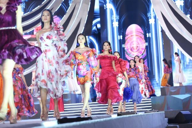 Truyền hình trực tiếp Chung kết toàn quốc Hoa hậu Việt Nam 2020 trên sóng VTV3 ảnh 8
