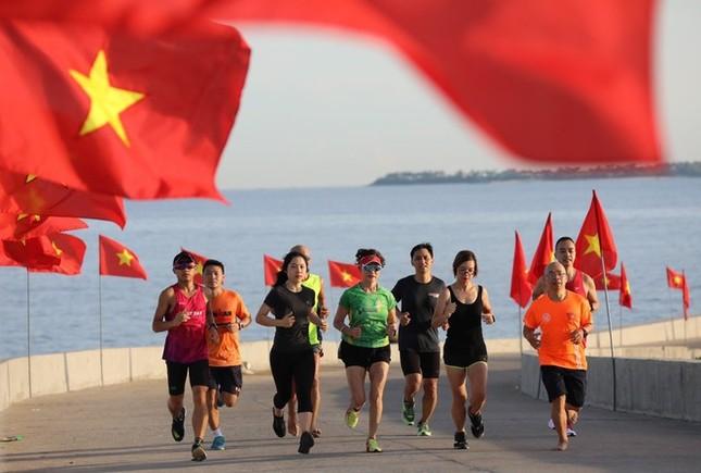Tiền Phong Marathon 2021 - Giấc mơ đại ngàn ảnh 1