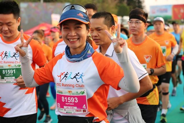 Hồng Lệ vô địch cự ly 42,195 km ảnh 61