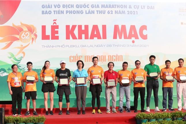 Hồng Lệ vô địch cự ly 42,195 km ảnh 38