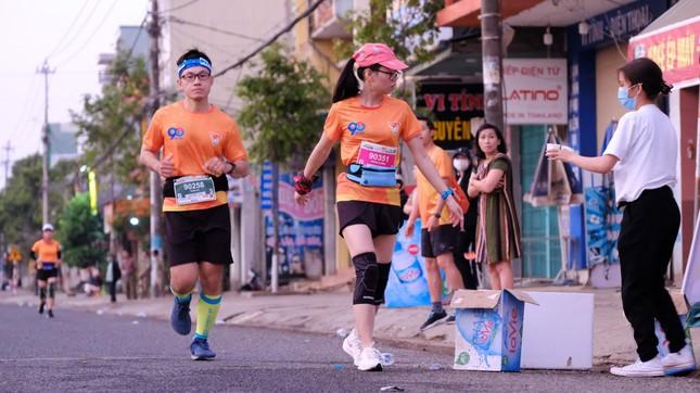 Hồng Lệ vô địch cự ly 42,195 km ảnh 93