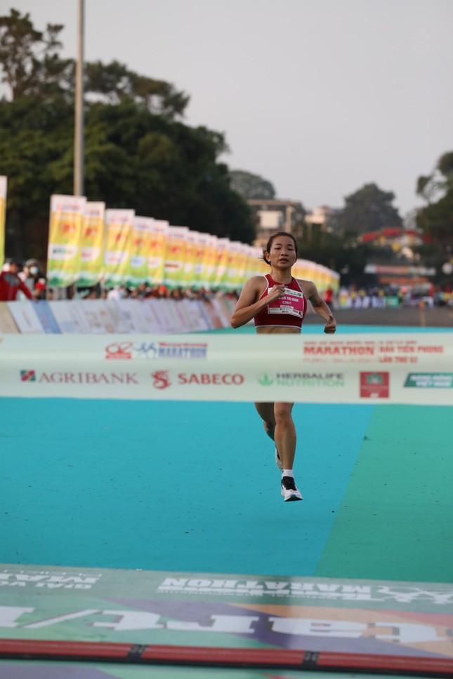 Hồng Lệ vô địch cự ly 42,195 km ảnh 52
