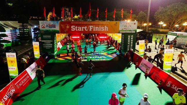 Hồng Lệ vô địch cự ly 42,195 km ảnh 108