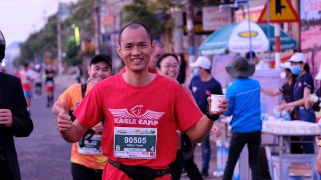 Hồng Lệ vô địch cự ly 42,195 km ảnh 95