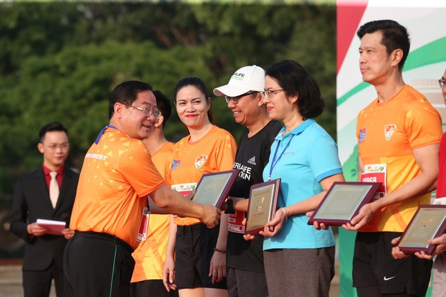 Hồng Lệ vô địch cự ly 42,195 km ảnh 37