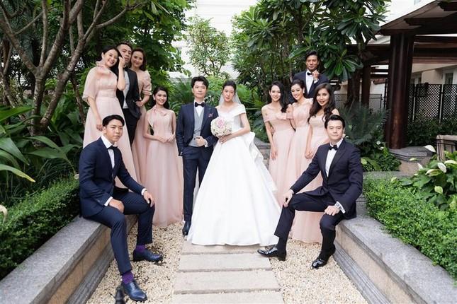 Những đám cưới đình đám Vbiz: Dàn bê tráp, khách mời toàn hoa hậu, á hậu ảnh 11